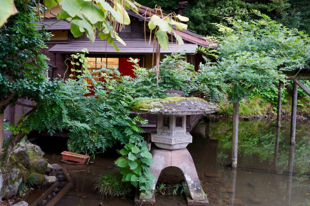 Kenrokuen Garden is one of the most beautiful places in Japan